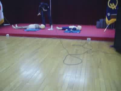 '심폐소생술' 시범 영상